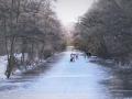 IJsplezier bij ondergaande Zon bij Landgoed Oosterbeek. (februari 2021)